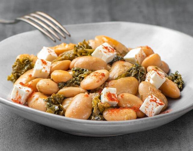 Φασόλια γίγαντες με kale και φέτα