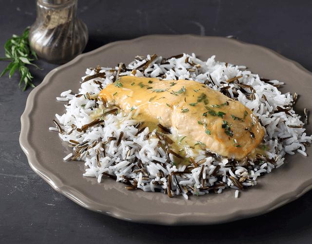 Σολομός με σάλτσα εσπεριδοειδών και ρύζι
