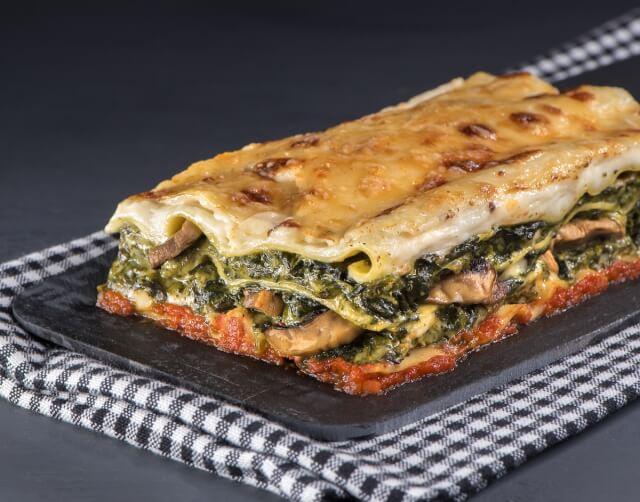 Λαζάνια al forno με σπανάκι και ανθότυρο