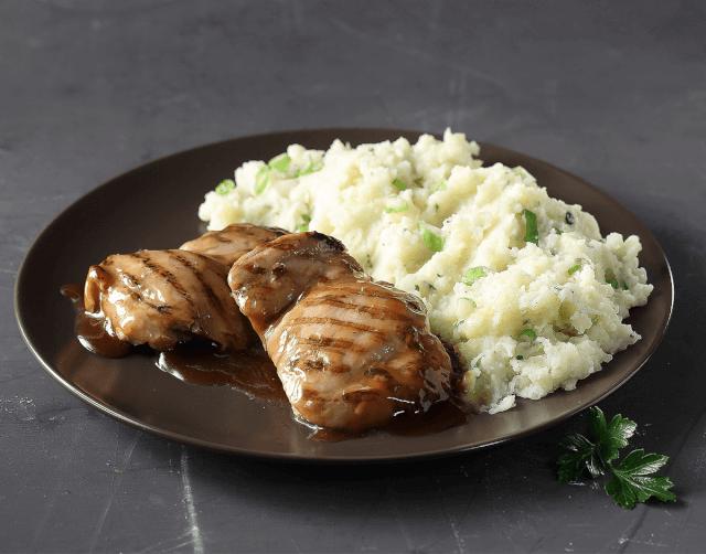 Κοτόπουλο με σάλτσα teriyaki και πουρέ από φρέσκιες πατάτες & ελαιόλαδο
